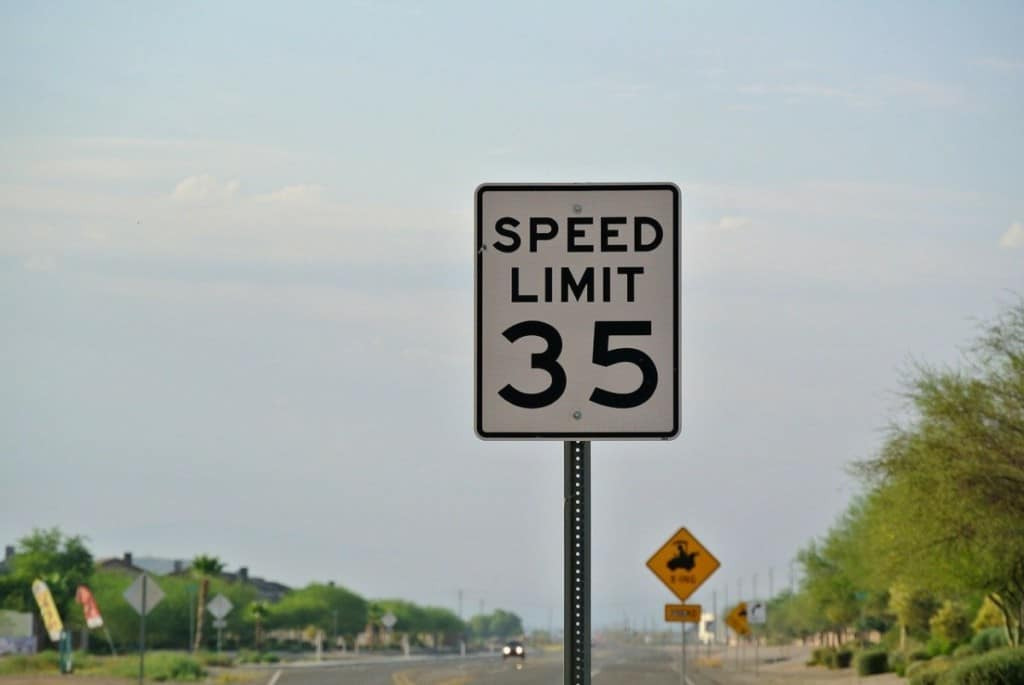 35 miles per hour speed limit sign