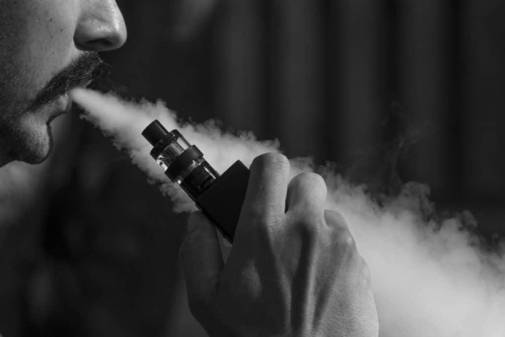 vape / e-cigarette
