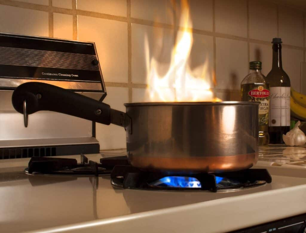 is cooking wine flammable