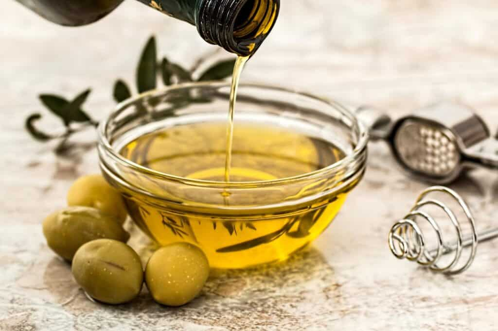 is olive oil flammable?