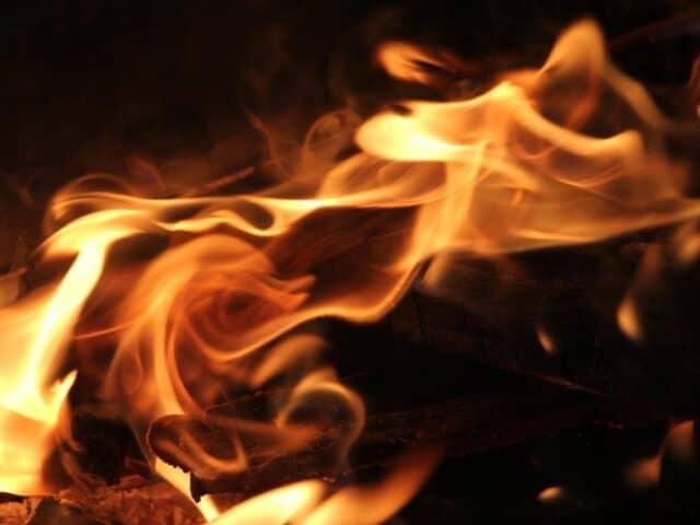 ammonia flammable